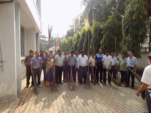 स्वच्छ भारत अभियान नीपको, गुवाहाटी कार्यालय में मनाया जा रहा है।