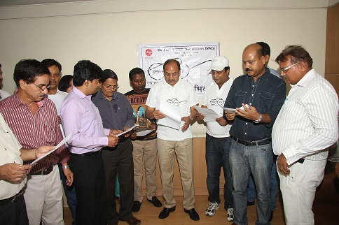 श्री पी.सी.पंकज, सीएमडी नई दिल्ली में स्वच्छता सपाथ का प्रबंध कर रहे हैं।